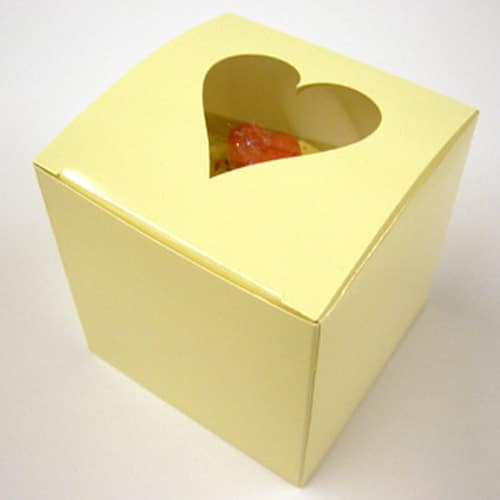 Ivory Single Cupcake Box with Heart Window in Lid and Incert-0